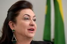 Partido de Temer expulsa senadora que critica corrupção no governo brasileiro