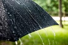 Chuva forte deixa oito distritos sob aviso amarelo