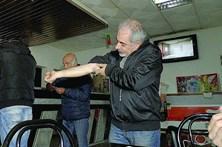 Dois feridos em assalto a café de Guimarães