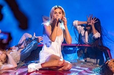 Selena Gomez de volta ao palco após transplante de rim