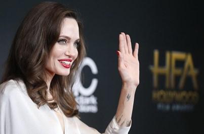 Angelina Jolie diz que violência sexual deve ser reconhecida como arma de guerra