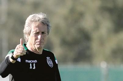 Sporting faz oito longas horas até aos 'oitavos' da Liga Europa
