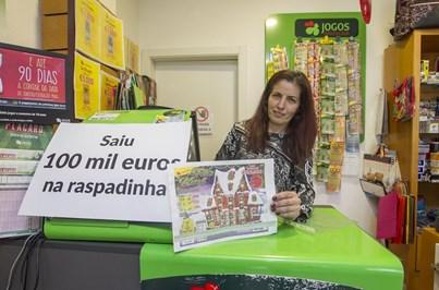 Raspadinha vale prémio de 100 mil euros