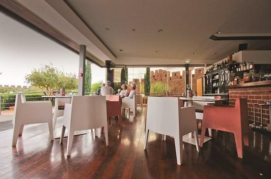 Tapas mediterrânicas no Café Castelo de Silves
