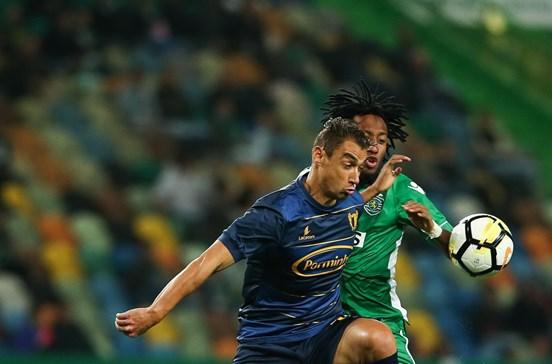 Sporting vence o Famalicão por 2-0
