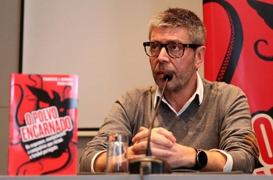 Francisco J. Marques apresenta 'O Polvo Encarnado' e critica Benfica