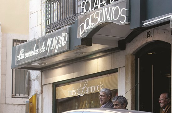 Sócrates gasta 161 euros por refeição