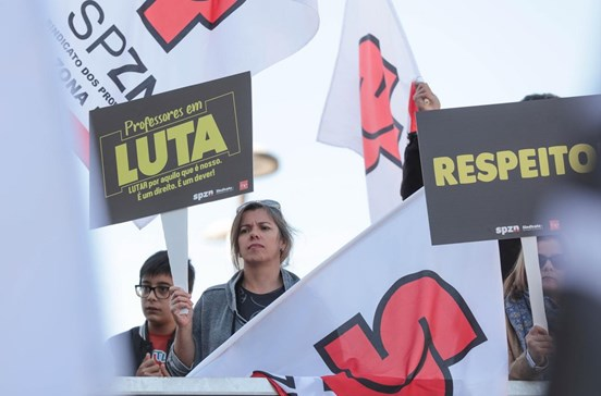 Estado paga 650 milhões aos professores até 2023