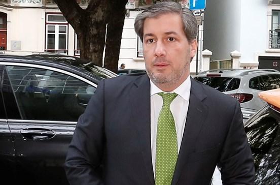 Sporting dá 3 milhões a agente de Bruno de Carvalho