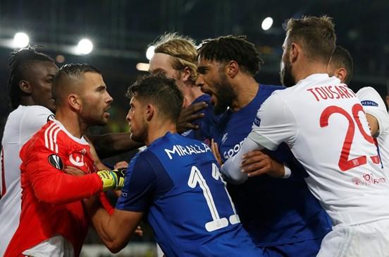 Everton multado em 30 mil euros no caso dos empurrões a Anthony Lopes