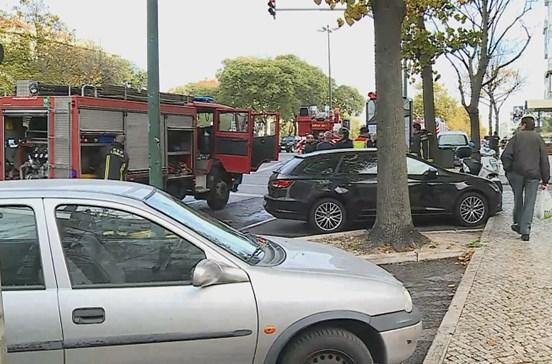 Incêndio em apartamento de Lisboa mata homem de 50 anos