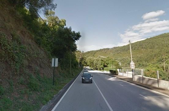 Deslizamento de terras condiciona trânsito na Estrada da Beira, em Coimbra
