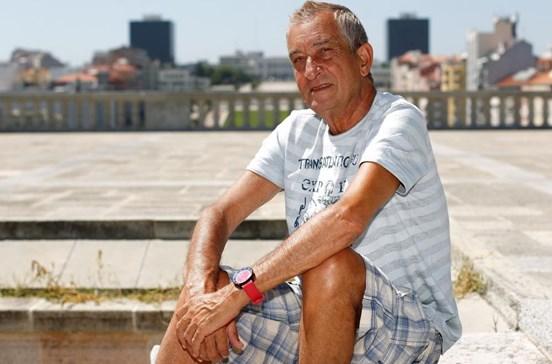 Ator Carlos Areia vive com cerca de 350 euros por mês