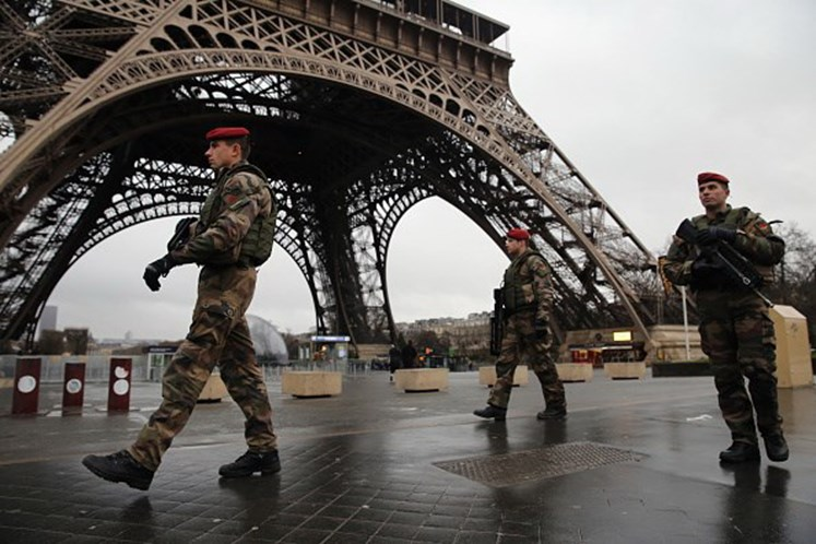 Dez detidos em França e na Suíça em operação antiterrorista