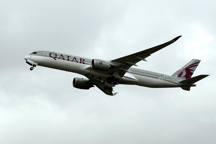 Mulher descobre traição durante voo e avião faz pouso de emergência