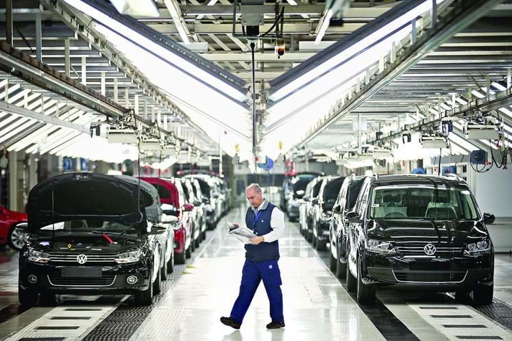 Trabalhadores discutem termos do novo pré-acordo sobre horários de trabalho — Autoeuropa