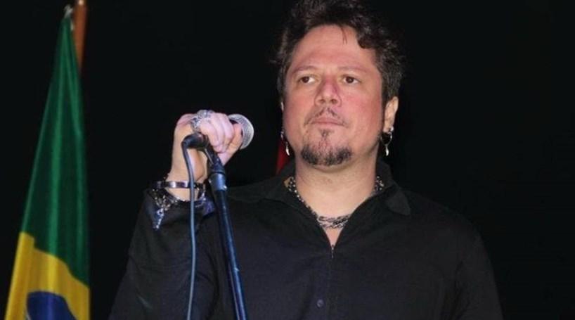 Ricardo Bueno, ex-vocalista da banda Dominó, morre em SP