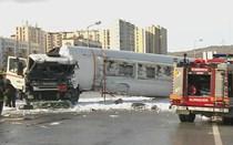 Acidente com camião de combustível cortou A1 no nó do Carregado