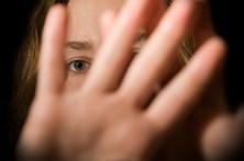 Desabafa com o marido que foi violada e descobre que foi ele
