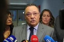 """Ex-Secretário de Estado da Saúde demitiu-se """"por grave violação da privacidade"""""""