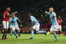 Manchester City bate rival United e recorde de vitórias em Inglaterra
