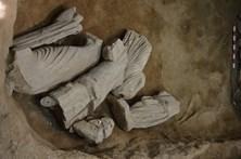 Obras revelam quatro estátuas romanas