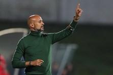 """Treinador promete que Rio Ave vai """"dar tudo"""" para vencer o Benfica"""