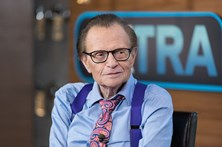 Modelo acusa apresentador Larry King de assédio sexual