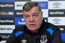 Sam Allardyce cancela tradicional festa de Natal da equipa do Everton
