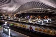 Estação belga evacuada devido a pacote suspeito