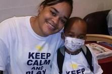 Diz que filho tem cancro e obriga-o a fazer 13 cirurgias desnecessárias
