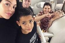 Namorada de Ronaldo passeia pelo Dubai