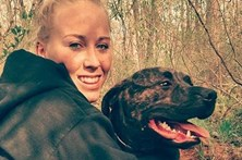 Morta pelos próprios cães durante passeio