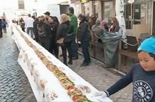 Mais de 120 metros de bolo-rei distribuídos à população de Olhão