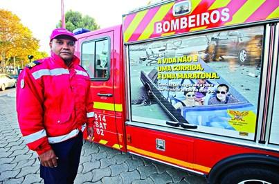 Mensagens sobre riscos em carros de bombeiros
