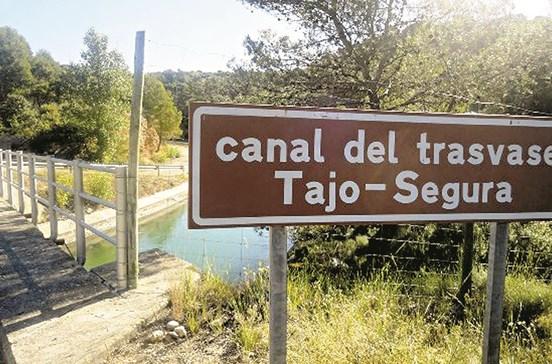 Espanha 'rouba' água pela calada da noite