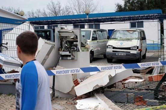 Gang rouba 597 mil euros em 28 ataques a caixas ATM
