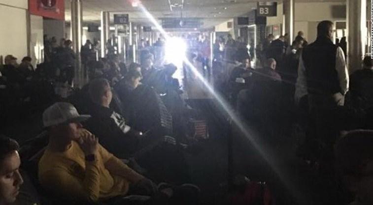 Apagão pára operação no aeroporto de Atlanta