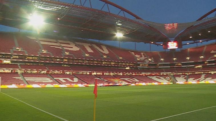 Benfica está a notificar quem descarregou emails divulgados na net