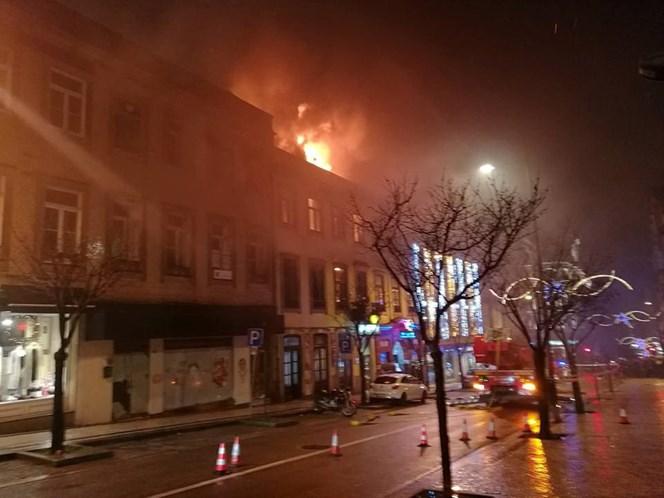 Incêndio junto ao Coliseu do Porto