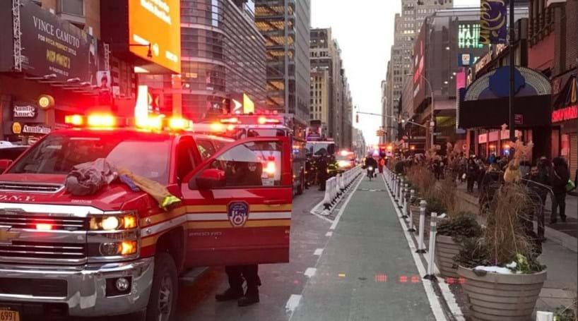 Resultado de imagem para Explosão em terminal de autocarros em Nova Iorque