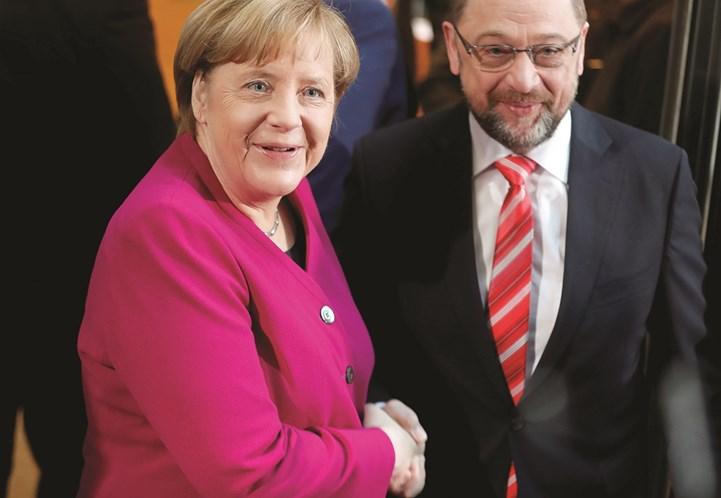 Pressionada, Merkel se diz otimista sobre negociações com SPD