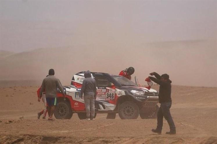 André Villas-Boas transportado para o hospital após acidente no Dakar2018