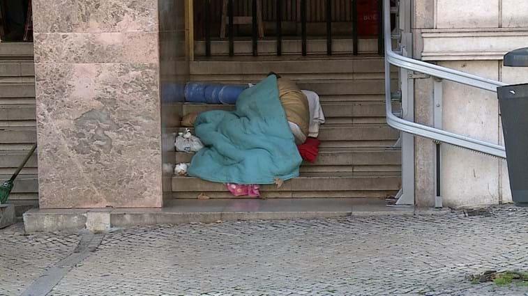 Porto. Câmara avalia amanhã ativação de apoio a sem-abrigos