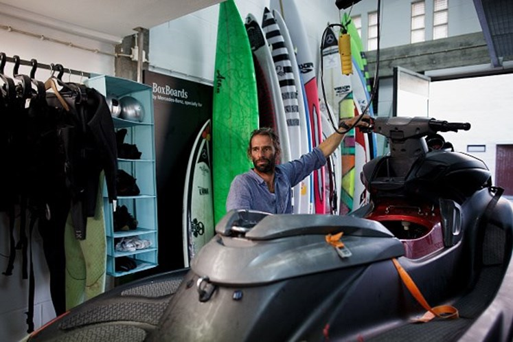 Surfista português pode ter superado McNamara com maior onda de Nazaré