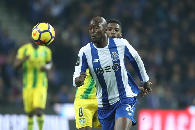FC Porto vence e passa para a frente do campeonato