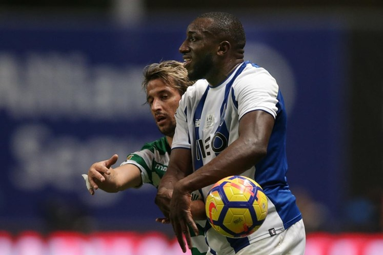 Sporting responde ao FC Porto com foto de Coentrão com William Carvalho