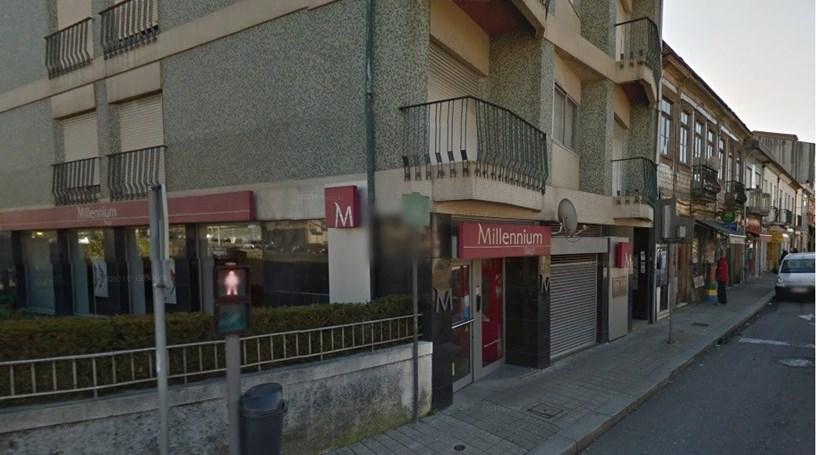 Suspeito em fuga após assalto a banco no Porto