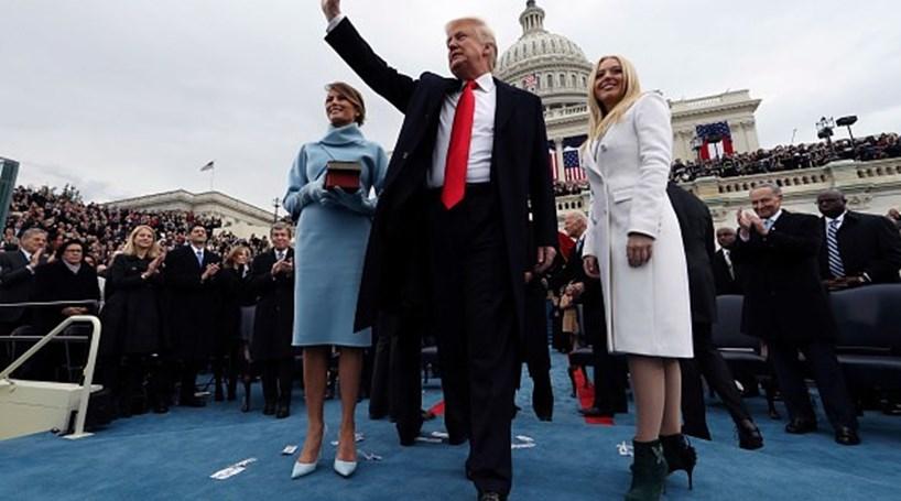 Internacional - Política: Donald Trump completa um ano no poder com governo paralisado