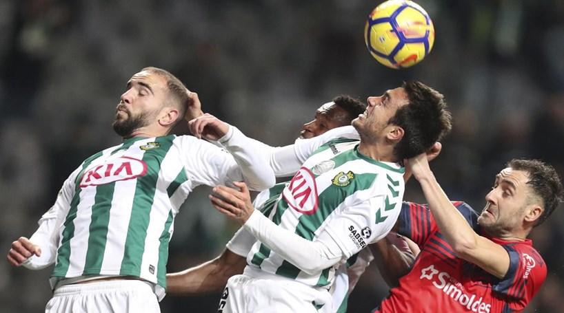 Vitória luta mas cai de pé nos penáltis — Taça da Liga